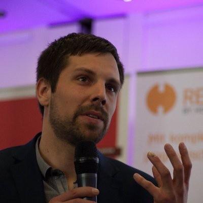 Dr. Henning Femmer