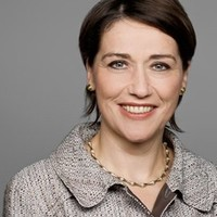 Eva Schielein