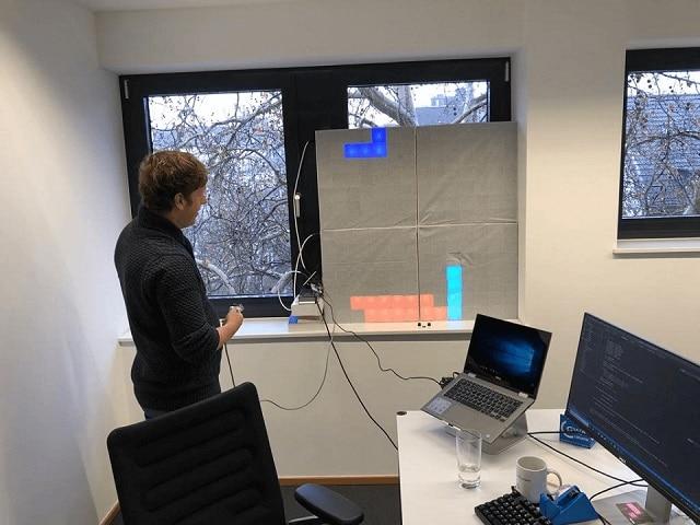 Tetris spielen auf dem Milchtüten-Display